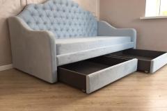 Кровать с каретной стяжкой готова и установлена☑ ▫Спальное место 900*2000 мм ▫Ткань Textile Evita 12 ▫Каркас из фанеры ▫ППУ высокого качества ▫Ящики на колёсиках (не царапают пол) ▫В комплект входит чехол для матраца 🙋♀Кровать изготовлена по чертежам дизайнера нашей студии Евгении