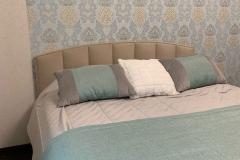 Кровать в спальне🤍 Одна из наших полюбившихся моделей ▫Ткань Vellutto 👉Проект дизайнера нашей студии Анатолии Моисеенко #кровать #дизайнинтерьера #интерьер #воронеж #ремонтподключворонеж #дизайнинтерьераворонеж #мебельназаказворонеж #квартирныйответворонеж