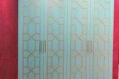 Шкаф в прихожей готов и установлен✔ Квартира по дизайн проекту нашего дизайнера интерьера Юлии Мусаевой @leon36rus 🔸Фасады МДФ эмаль с фрезеровкой покрытой золотом 🔸Корпус шкафа Egger 🔸Ручки Макмарт @makmartgroup 🔸Направляющие Pulse скрытого монтажа с доводчиками Если Вам понравилась мебель, будем рады Вашим 💗 #квартирныйответворонеж #прихожие #прихожиеназаказ #прихожиеворонеж #мебельназаказвворонеже #мебельназаказворонеж #дизайнинтерьерамосква #дизайнинтерьераворонеж #воронеж #воронежмебель #жкатлант Наш сайт www.kvartirny-otvet.ru