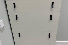 Мебель в прихожую готова и установлена✔ ▫Фасады Egger W980 SM ▫Материал под дерево Egger H1181 ST37 Дуб Галифакс Табак ▫На комоде - обувнице интересные ручки,которые выполняют функцию крючков Если Вам понравилась Мебель,будем рады Вашим ❤ #мебельвприхожую #мебельвприхожуюворонеж #мебельдляприхожейворонеж #мебельвворонеже #мебельворонеж #квартирныйответворонеж